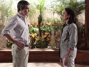 René rompe o namoro com Griselda (Foto: Fina Estampa/TV Globo)