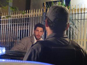 Rubinho é preso  (Foto: Aquele Beijo/TV Globo)