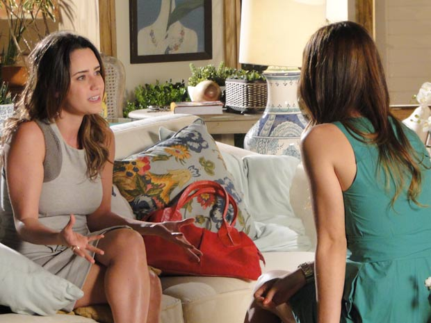 Ana pede ajuda de Alice para se reaproximar de Manu (Foto: A Vida da Gente / TV Globo)
