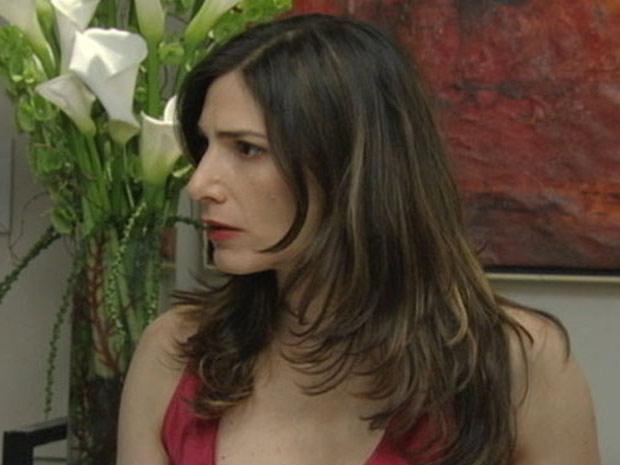 """Helena fica passada com a situação: """"Que garota mais autoritária!"""" (Foto: Malhação / TV Globo)"""