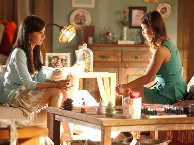 Manuela se recusa a falar de Ana com Alice (Foto: A Vida da Gente / TV Globo)