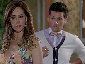 Tereza Cristina vai à casa de Dagmar atrás do filho (Foto: Fina Estampa/TV Globo)