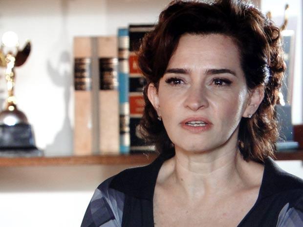 Vitória se irrita com as ironias de Eva (Foto: A Vida da Gente / TV Globo)