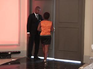 Marisol deixa a Comprare (Foto: Aquele Beijo/TV Globo)