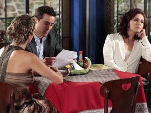 Lucena entrega correspondência ao ex (Foto: Aquele)