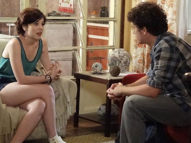 Alexia fica com ciúmes por Gabriel ter ajudado Cristal (Foto: Malhação / TV Globo)
