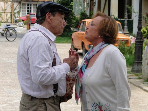 Rompimento definitivo, Iná não quer mais conversa (Foto: A Vida da Gente/TV Globo)