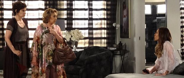 Tereza Cristina faz acusações à tia (Foto: Fina Estampa / TV Globo)