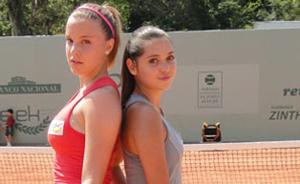 FOTOS! Confira os looks de Sofia e Cecília na quadra de tênis (A Vida da Gente/TV Globo)