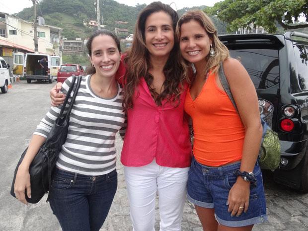 Totia Meireles recebe as sobrinhas de Cuiabá, que passam férias no Rio (Foto: Fina Estampa/TV Globo)