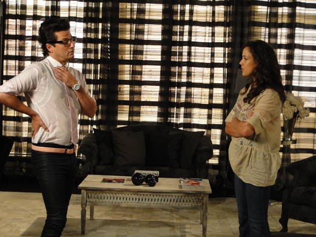 Patrícia decide voltar a morar com a mãe (Foto: Fina Estampa / TV Globo)