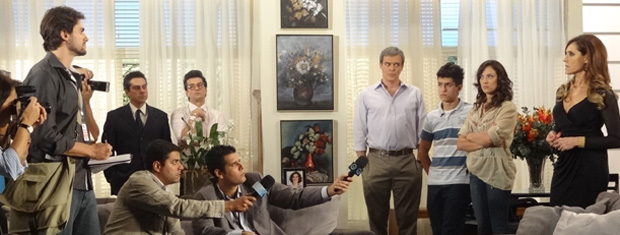 Beto Jr. enfrenta Tereza Cristina (Foto: Fina Estampa/TV Globo)