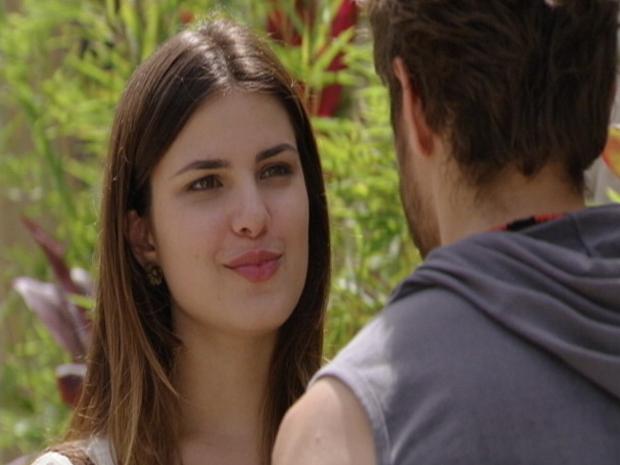 Cristal e Moisés conversam sobre Alexia (Foto: Malhação/TV Globo)