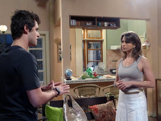 Laura diz para Guido que o relacionamento deles é maravilhoso (Foto: Malhação / TV Globo)