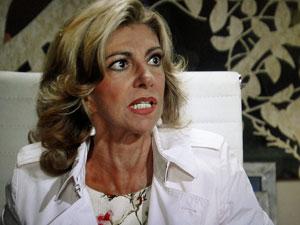 Maruschka fica furiosa (Foto: Aquele Beijo/TV Globo)