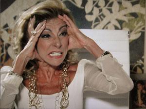 Maruschka ameaça processar Marisol (Foto: Aquele Beijo/TV Globo)
