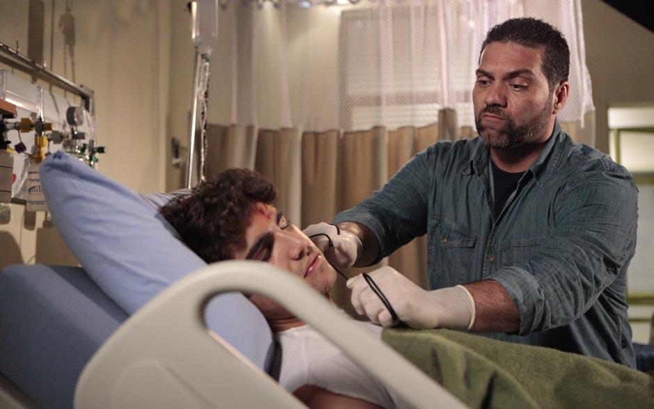 Capanga de Ferdinand chega para dar fim à vida de Antenor no leito do hospital