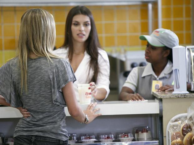 Charlene sente saudades de Guido (Foto: Malhação / TV Globo)
