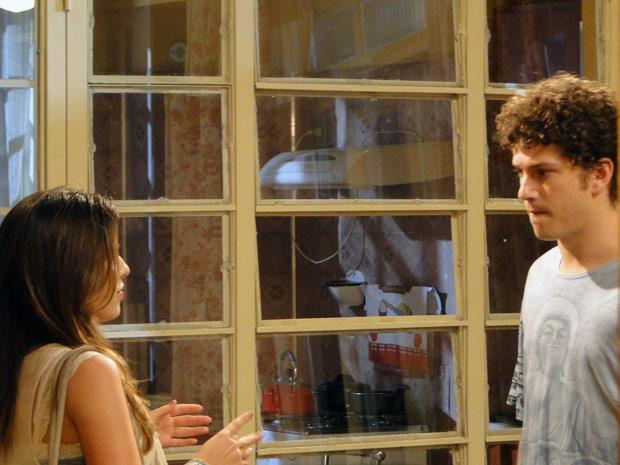 Cristal diz a gabriel que o filho não é dele (Foto: Malhação / TV Globo)