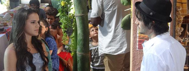 Belezinha encontra Agenor (Foto: Aquele Beijo/TV Globo)