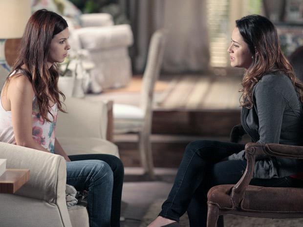 Ana confessa a Alice que não sabe mais o que quer (Foto: A Vida da Gente / TV Globo)