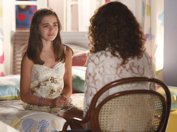Olívia confessa para a mãe que pegou o anel de Sofia e acabou perdendo a joia (Foto: A Vida da Gente / TV Globo)