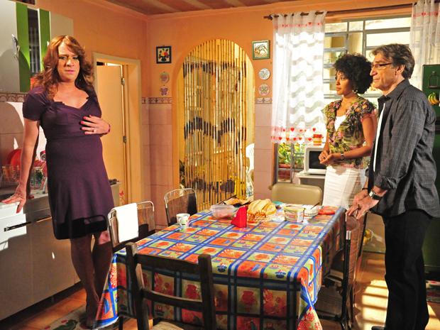 Ana fica em choque ao descobrir que Maruschka é sua mãe (Foto: Aquele Beijo/TV Globo)