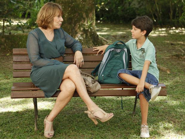 Danielle reencontra o sobrinho e conta sua versão do caso envolvendo Bia (Foto: Fina Estampa/ TV globo)