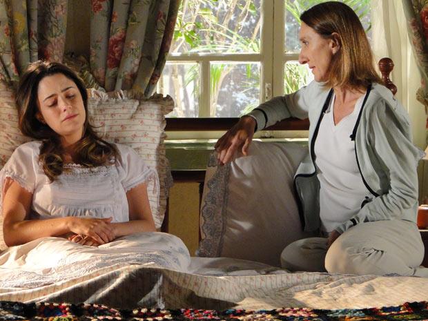 Ana declara que não tem nada a dizer à terapeuta e que sua única vontade é dormir (Foto: A Vida da Gente / TV Globo)