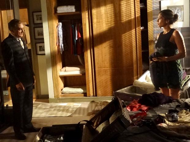Lucena enfrenta Henrique e diz que vai ver Vicente (Foto: Aquele Beijo / TV Globo)