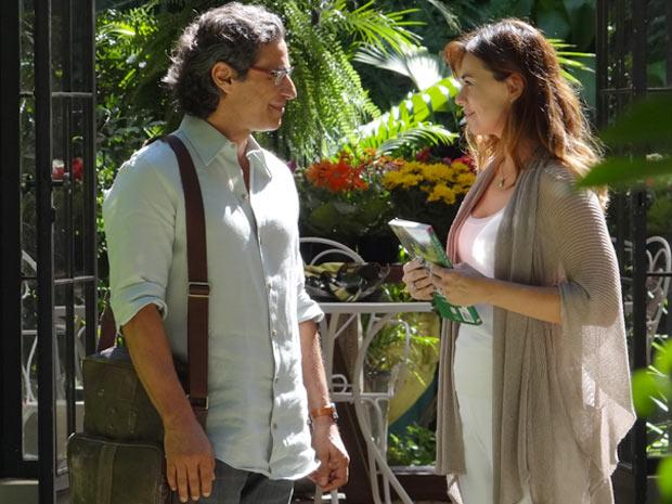 Renato agradece Suzana e declara que ela o ajudou a ver que podia ser útil (Foto: A Vida da Gente / TV Globo)