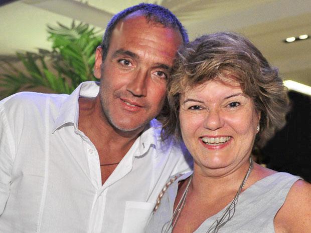 rogério gomes e elizabeth jhin (Foto: amoreternoamor/tvglobo)