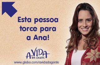 Ana no Facebook (Foto: A Vida da Gente/TV Globo)