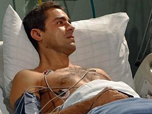 Vicente chora (Foto: Aquele)