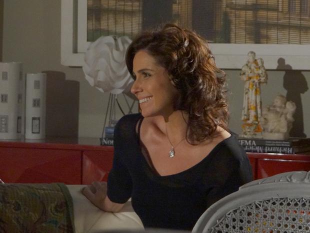 Claudia reafirma seu amor por Vicente (Foto: Aquele Beijo/TV Globo)