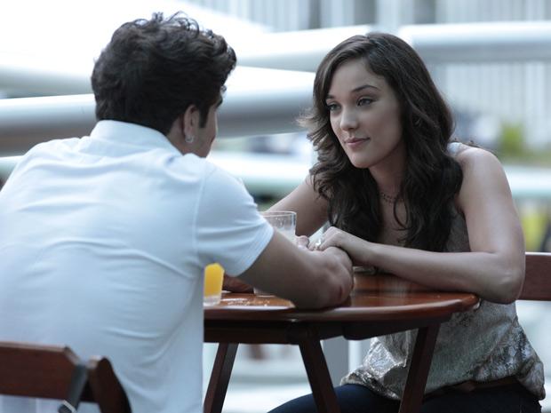 Patrícia diz que só vai se casar quando Antenor estiver formado (Foto: Fina Estampa/TV Globo)