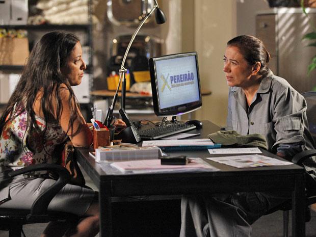 Marilda revela todo o plano de Tereza Cristina para Griselda (Foto: Fina Estampa/TV Globo)