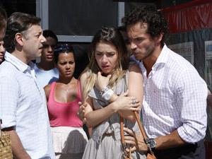 Guaracy defende Bia (Foto: Fina Estampa / TV Globo)