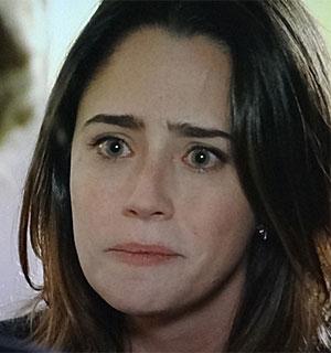 Ana pede que Eva faça exames para ser doadora (A Vida da Gente/TV Globo)