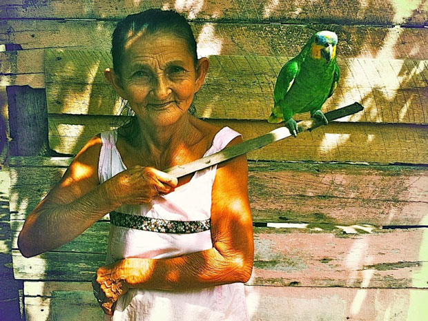 Carmo Dalla Vecchia fotografou os moradores da Ilha de Marajó (Foto: Amor Eterno Amor/TV Globo)