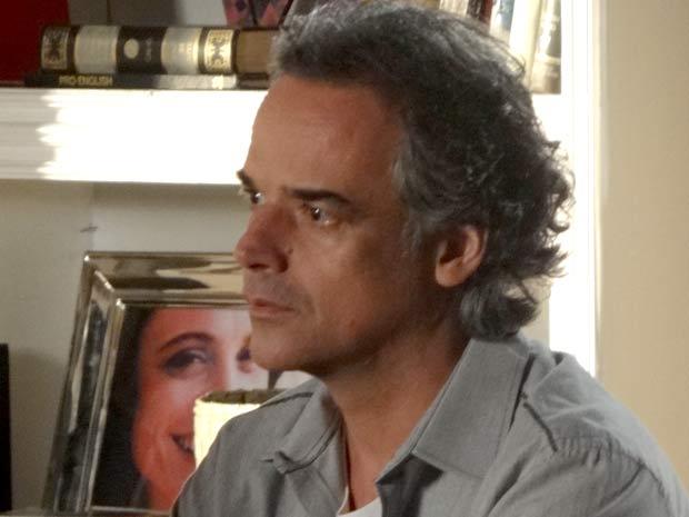 O choque de Marcos (Foto: A Vida da Gente / TV Globo)