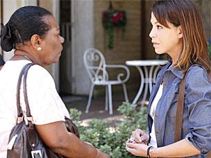 Maria descobre que Matias traiu Lorena e se irrita com o filho (A Vida da Gente/TV Globo)
