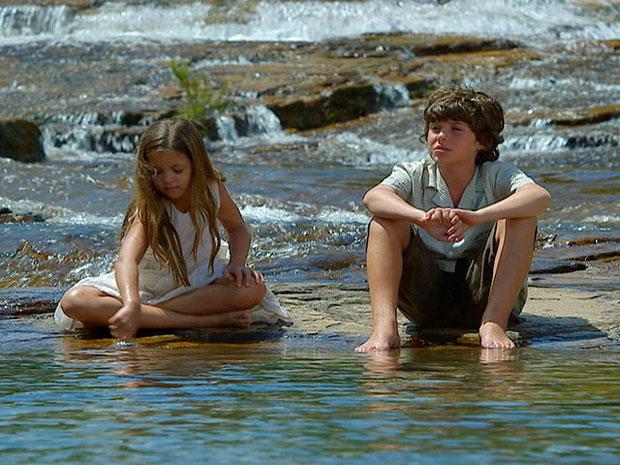 Elisa e Carlos desejam ficar juntos para sempre (Foto: Amor Eterno Amor/TV Globo)