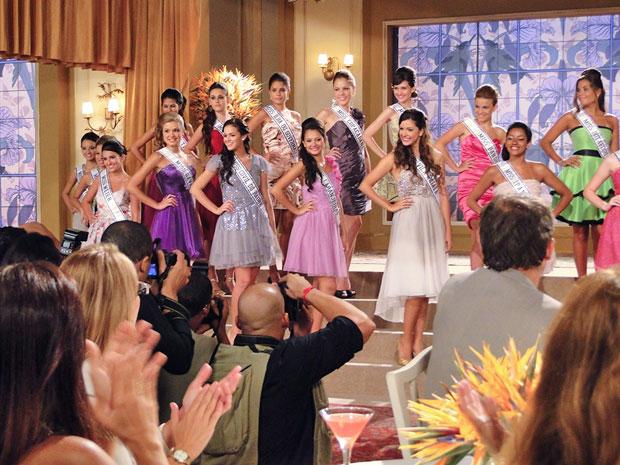 Candidatas são apresentadas à imprensa (Foto: Aquele Beijo/TV Globo)