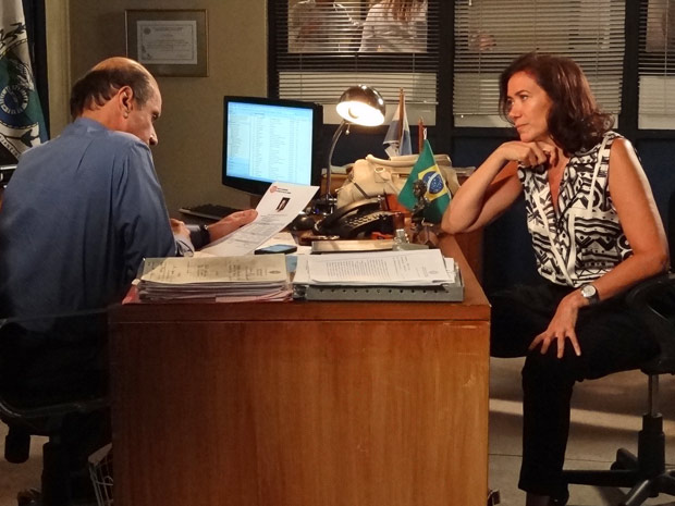 Griselda diz que está contando as horas para ver Tereza Cristina na cadeia (Foto: Fina Estampa/TV Globo)