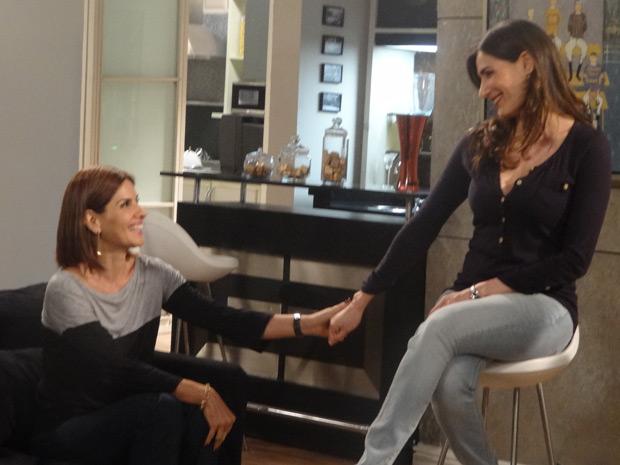 Helena diz que Carmem vai administrar a casa (Foto: Malhação / TV Globo)