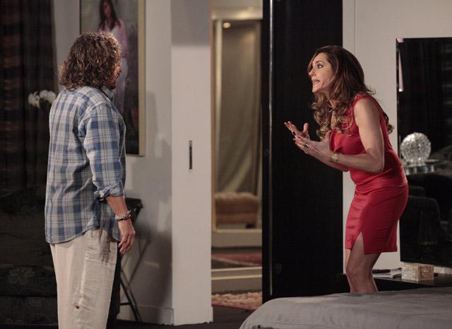 Tereza Cristina tenta se explicar para Álvaro (Foto: Fina Estampa / TV Globo)