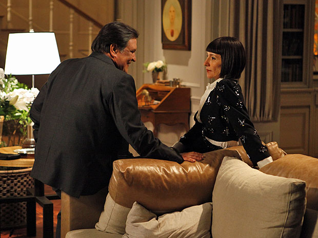 Melissa tem certeza de que Rodrigo nunca será encontrado (Foto: Amor Eterno Amor/TV Globo)