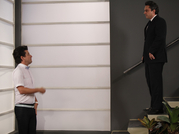 Crô diz que vai processar Baltazar (Foto: Fina Estampa/TV Globo)
