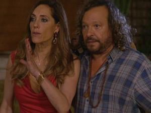 Tereza Cristina e Álvaro descobrem que René está na casa de Griselda (Foto: Fina Estampa/TV Globo)